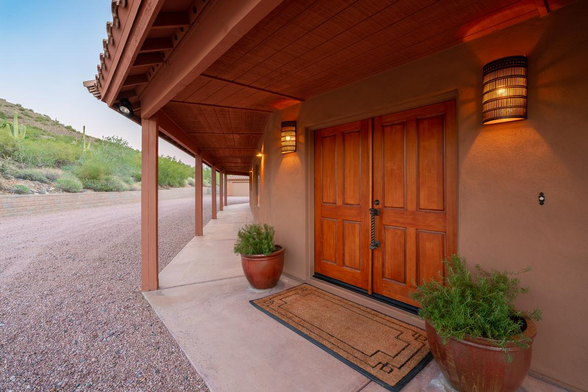 Luxury real estate Cave Creek Desert Oasis