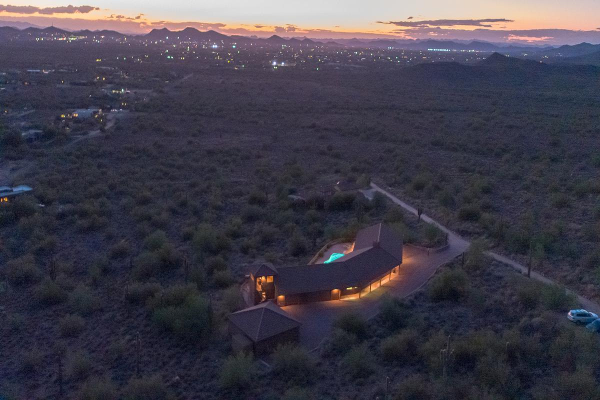Luxury properties Cave Creek Desert Oasis