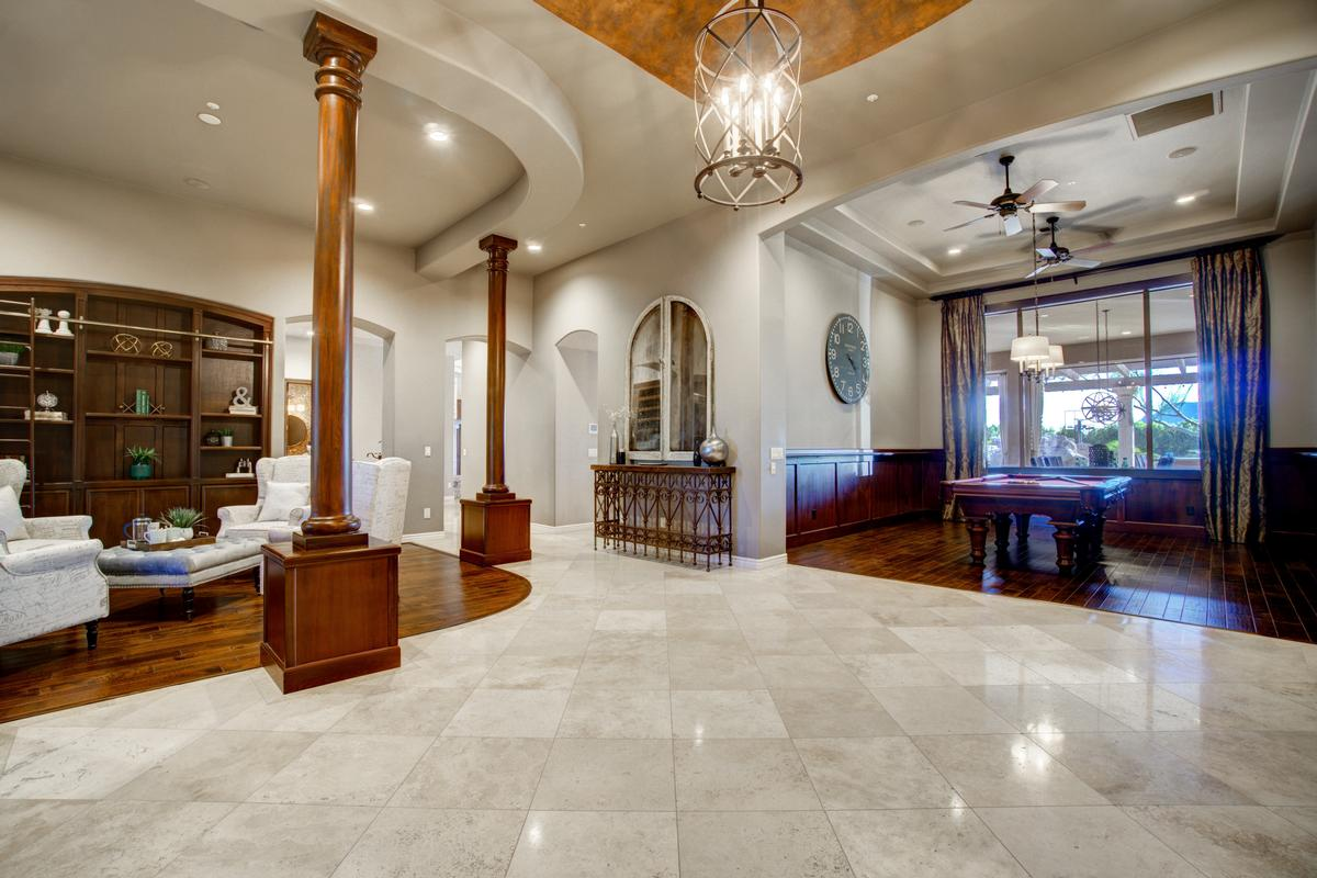 Ideal Arizona Living luxury properties