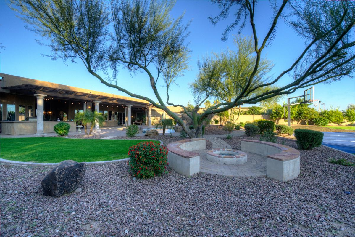 Ideal Arizona Living mansions