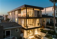 Mansions in unparalleled new custom home