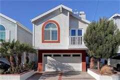 Mansions A fantastic opportunity to live in Hermosa Hills