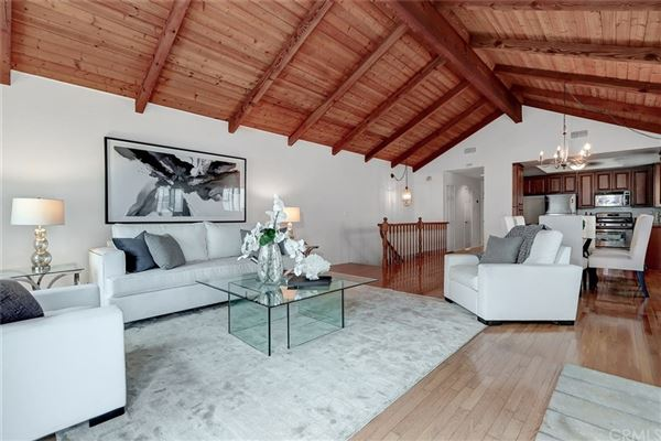Luxury properties A fantastic opportunity to live in Hermosa Hills