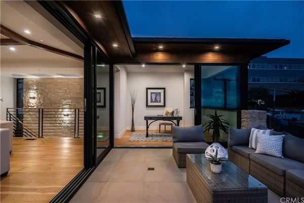 exemplary Hermosa Beach residence luxury properties
