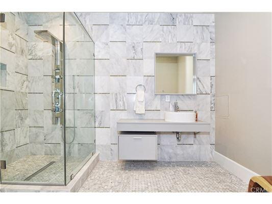 Luxury real estate 21st century modern masterpiece