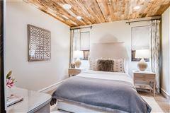 Luxury homes private retreat