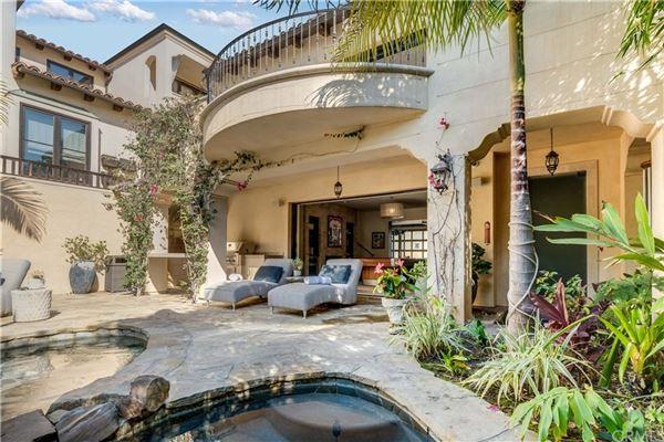 private retreat luxury homes