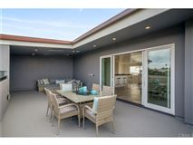 An extraordinary opportunity in manhattan beach luxury real estate