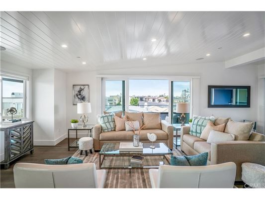 Mansions An extraordinary opportunity in manhattan beach