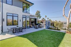 Luxury homes in immaculate new mid-century modern