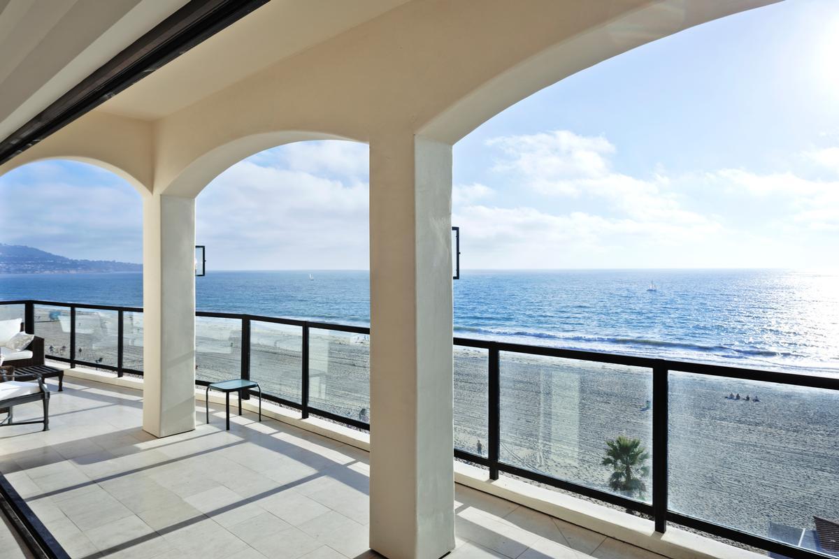 Luxury homes one-of-a-kind landmark residence