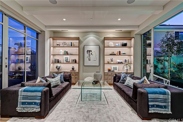 Luxury homes distinctive and luxurious approach to beachside living