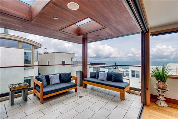 Live the ultimate Manhattan Beach lifestyle in this fabulous home luxury homes