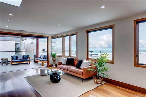 Live the ultimate Manhattan Beach lifestyle in this fabulous home luxury properties