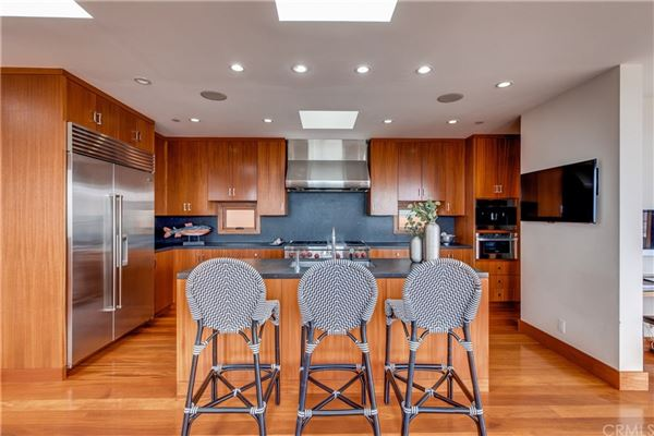 Live the ultimate Manhattan Beach lifestyle in this fabulous home mansions
