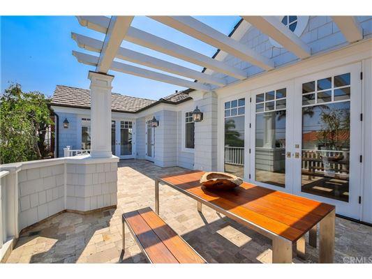 Manhattan Hill Estate  luxury real estate