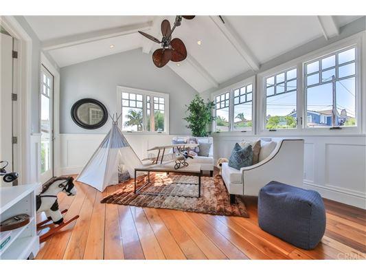 Luxury homes Manhattan Hill Estate