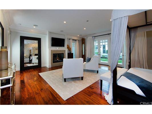 Luxury properties Manhattan Hill Estate