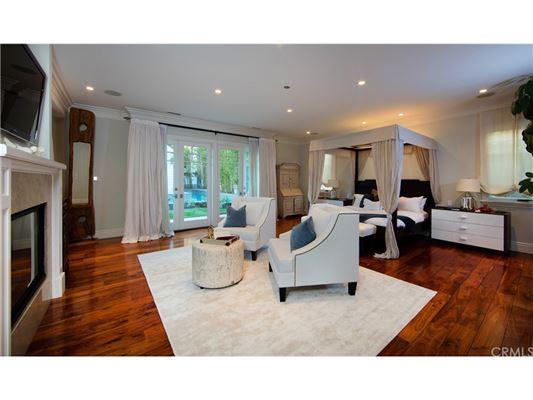 Manhattan Hill Estate  luxury properties