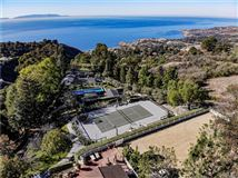 Luxury homes in seven acre peninsula terraced estate