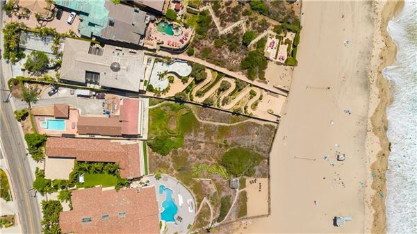 Mansions Premier beach front gated estate