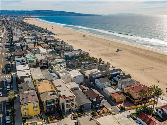 Mansions once in a lifetime opportunity in Manhattan Beach