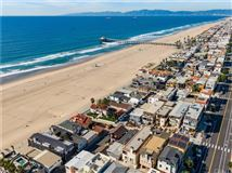Mansions in once in a lifetime opportunity in Manhattan Beach