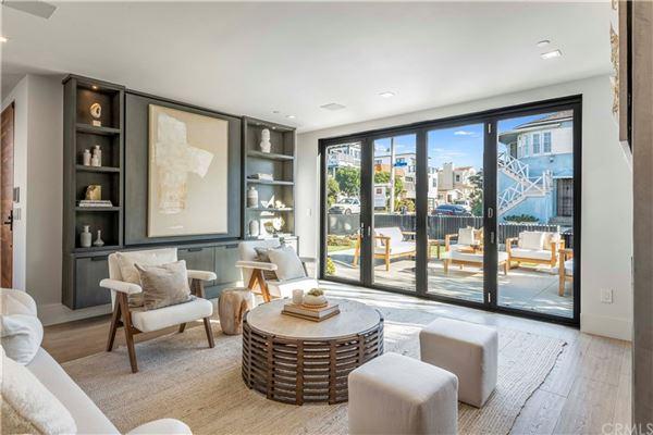 Luxury properties corner walkstreet masterpiece