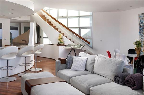 Luxury homes distinctive modern home