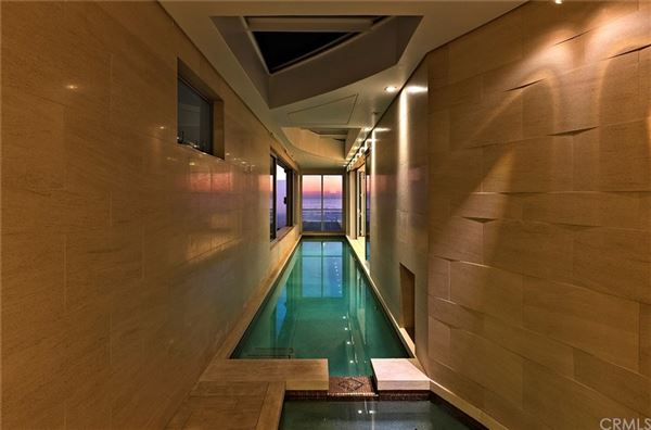 Luxury real estate distinctive modern home