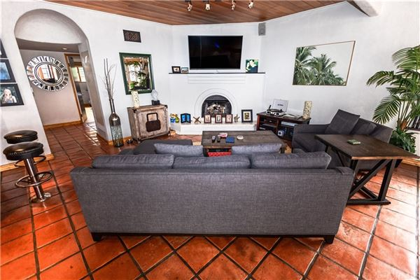 Luxury homes in 3508 Alma Avenue