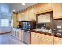 Luxury properties Welcome to this gorgeous and spacious home