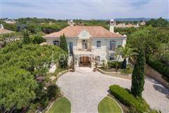 villa in prestigious Parque Atlantico area luxury homes