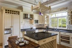 Luxury real estate villa in prestigious Parque Atlantico area