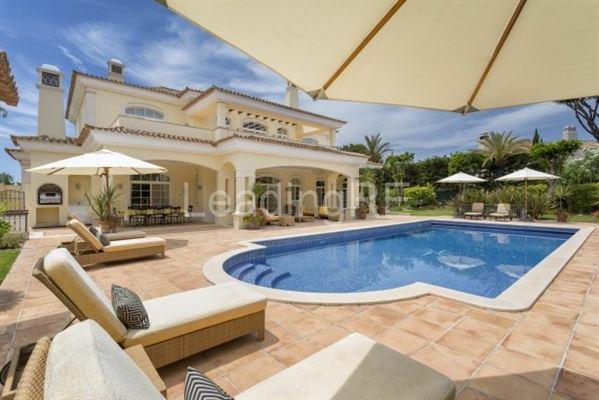 Luxury homes villa in prestigious Parque Atlantico area