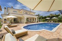 villa in prestigious Parque Atlantico area luxury properties