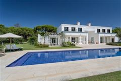 Luxury real estate lovely villa in exclusive location