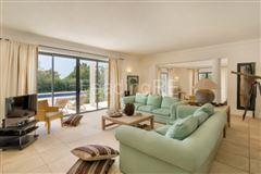 Luxury properties lovely villa in exclusive location