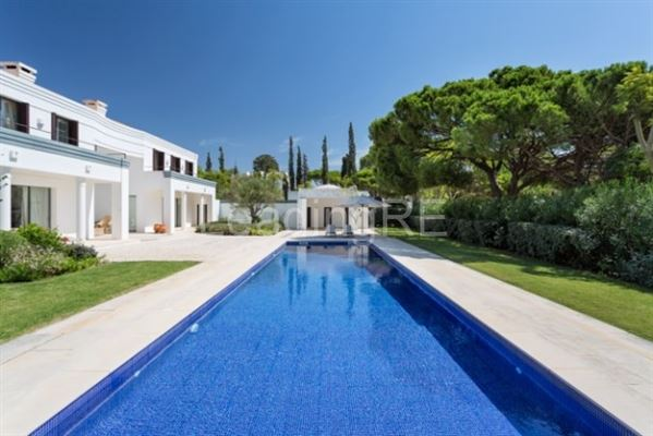 lovely villa in exclusive location luxury homes