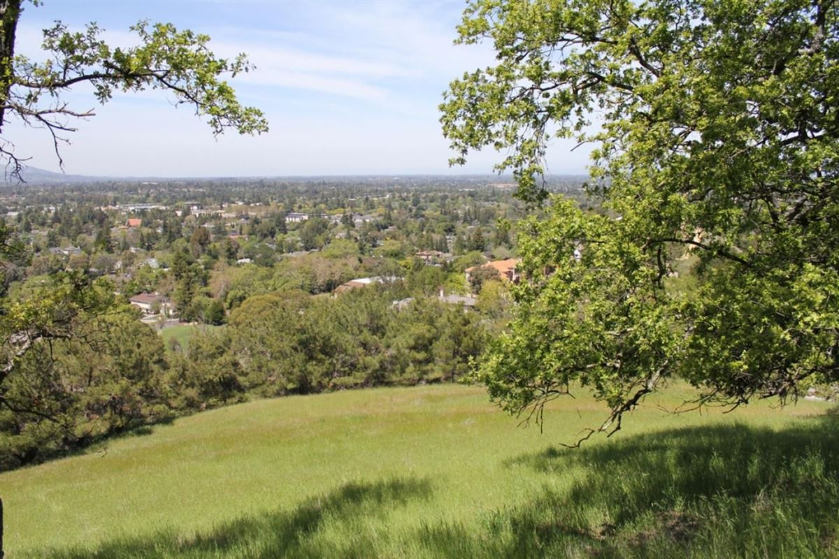 Luxury real estate Incredible opportunity in prime Los Gatos