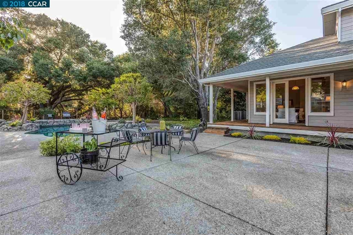 Mansions Beautifully remodeled Lafayette property