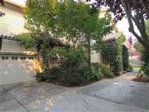 Mansions Outstanding location in mountain view