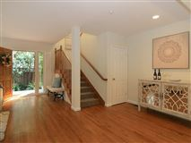 Luxury homes in Outstanding location in mountain view