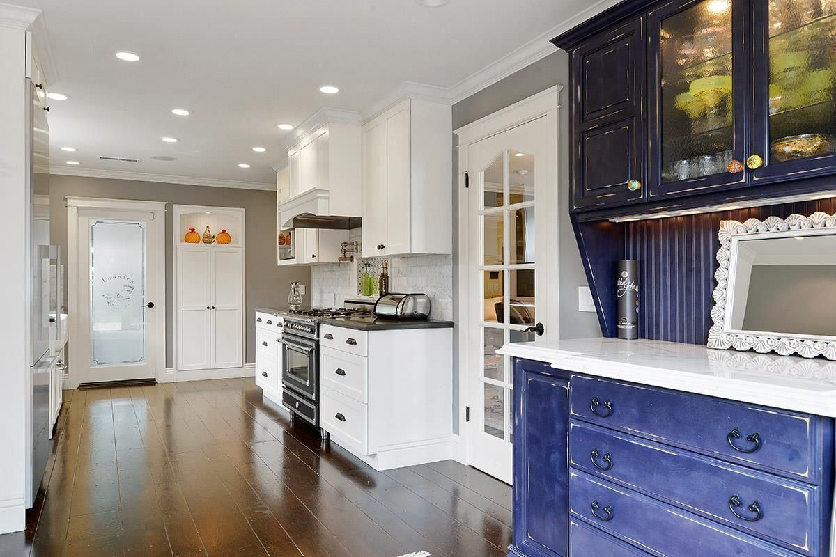 Stunning House is in a Top West Side Location luxury homes