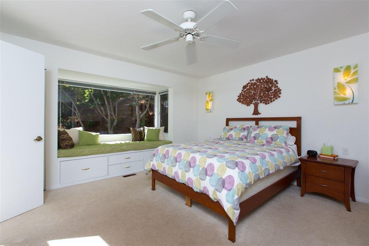 traditional home in desirable neighborhood luxury properties