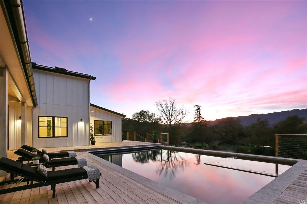 magnificent modern farmhouse luxury real estate