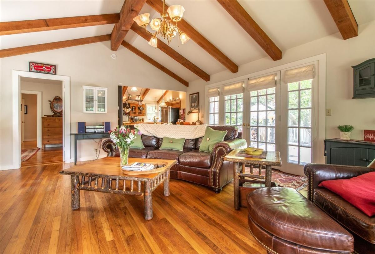 Chemeketa Park Storybook Charm luxury homes