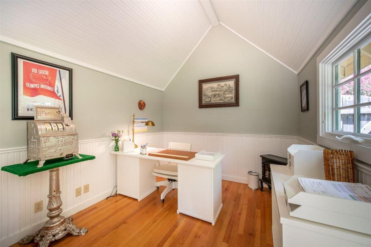 Chemeketa Park Storybook Charm luxury real estate