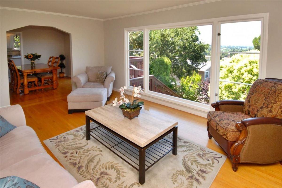 Luxury homes Panoramic bay and city views