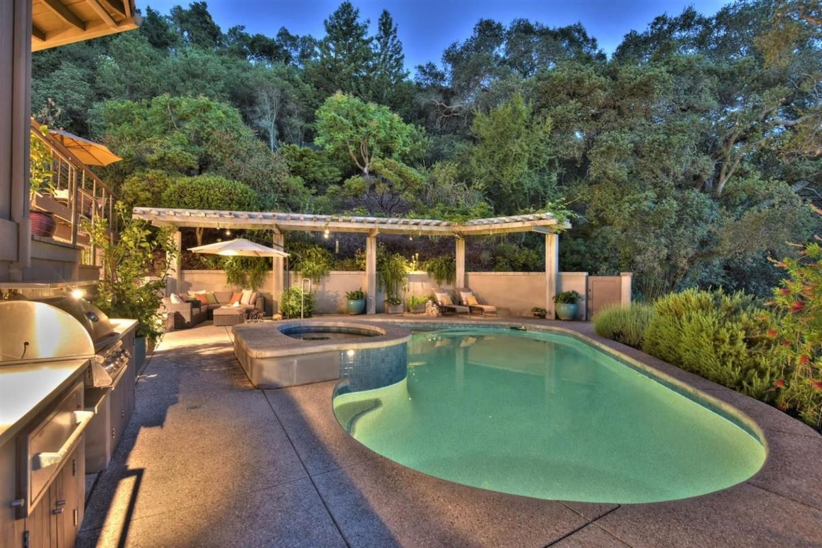 Luxury homes in Mid-century modern classic